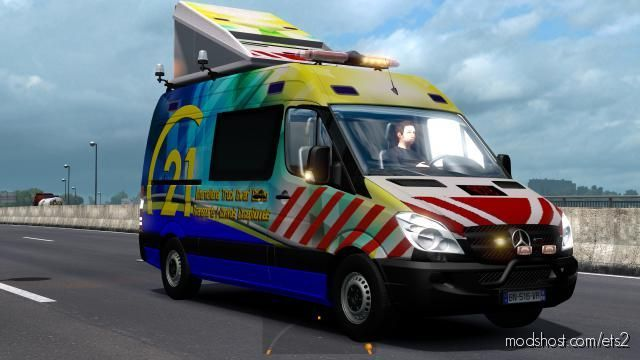Pilot And Escort Vehicles International Truck [1.37] for Euro Truck Simulator 2