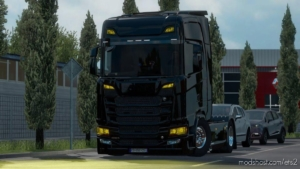 Yellow Lights For Some Trucks V1.2 [1.38.X] for Euro Truck Simulator 2