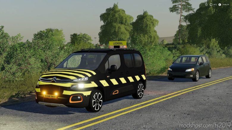 Citroen Berlingo Pilot CAR V1.2 for Farming Simulator 19